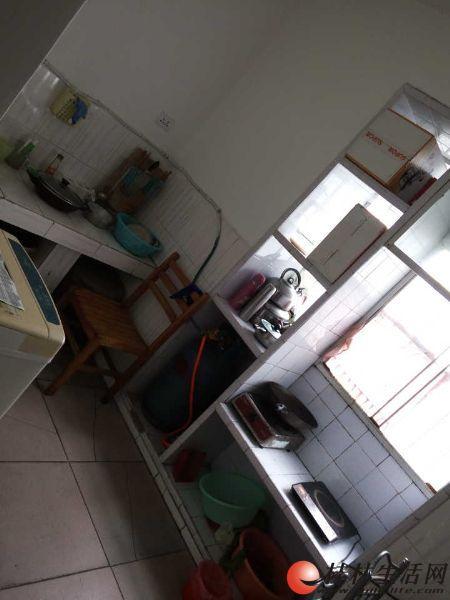 象鼻山公园对面,万寿巷,2房中装出租,家电家具齐全(实图)