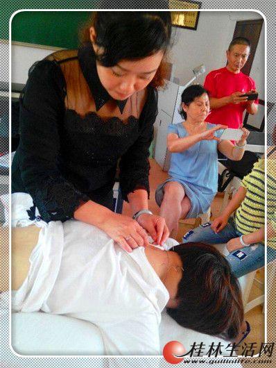 桂林有一家非常专业的针灸理疗培训班拜师传授中医针灸手法技能