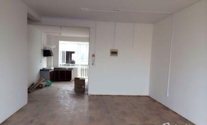 叠彩区政府附近芳华路楼梯房3室2厅140㎡适合一家人住或做办公