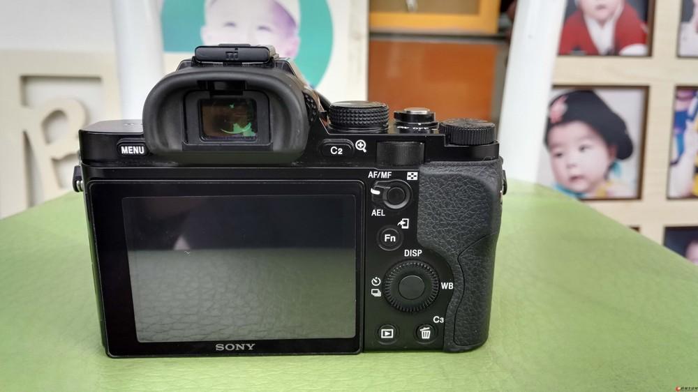 索尼a7+28-70(3.5-5.6)镜头    全画幅微单相机   售6950元