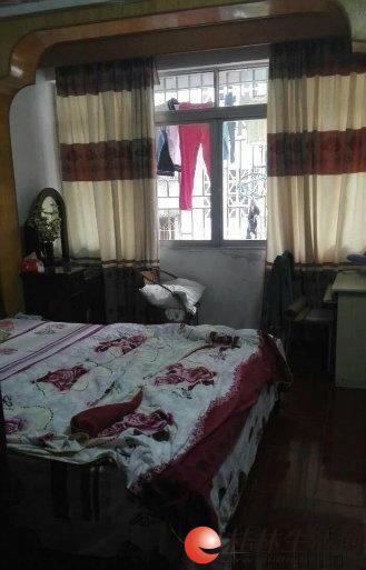 七星龙隐1区旁 施家园 2房2厅 带大阳台舒服楼层