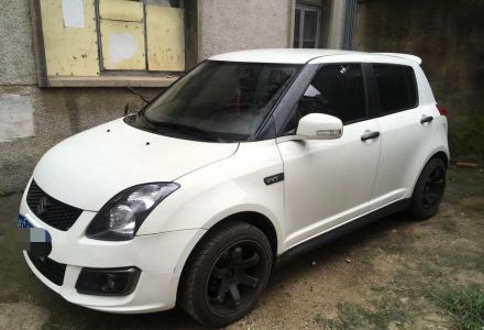 自用私家车日系铃木雨燕 2013款 1.5L 手动标准版