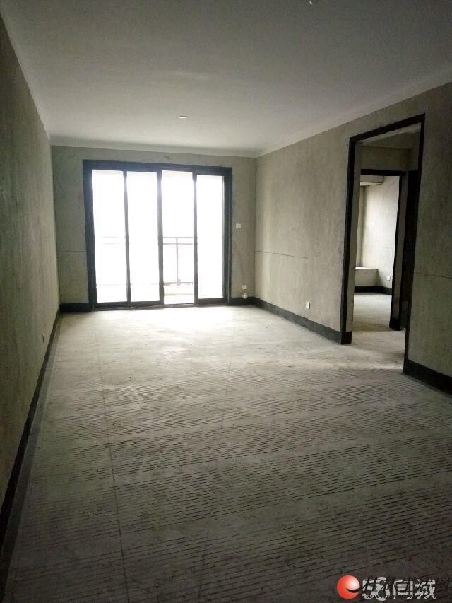 出售,兴进上郡,4房2厅2卫,135平米,电梯9楼,126万,清水房