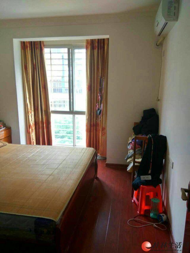 八里街锦绣前城三房一厅一卫急售了