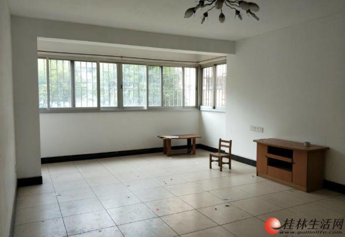 C七星区辅星路龙隐苑小区2楼2房75平仅售49.8万
