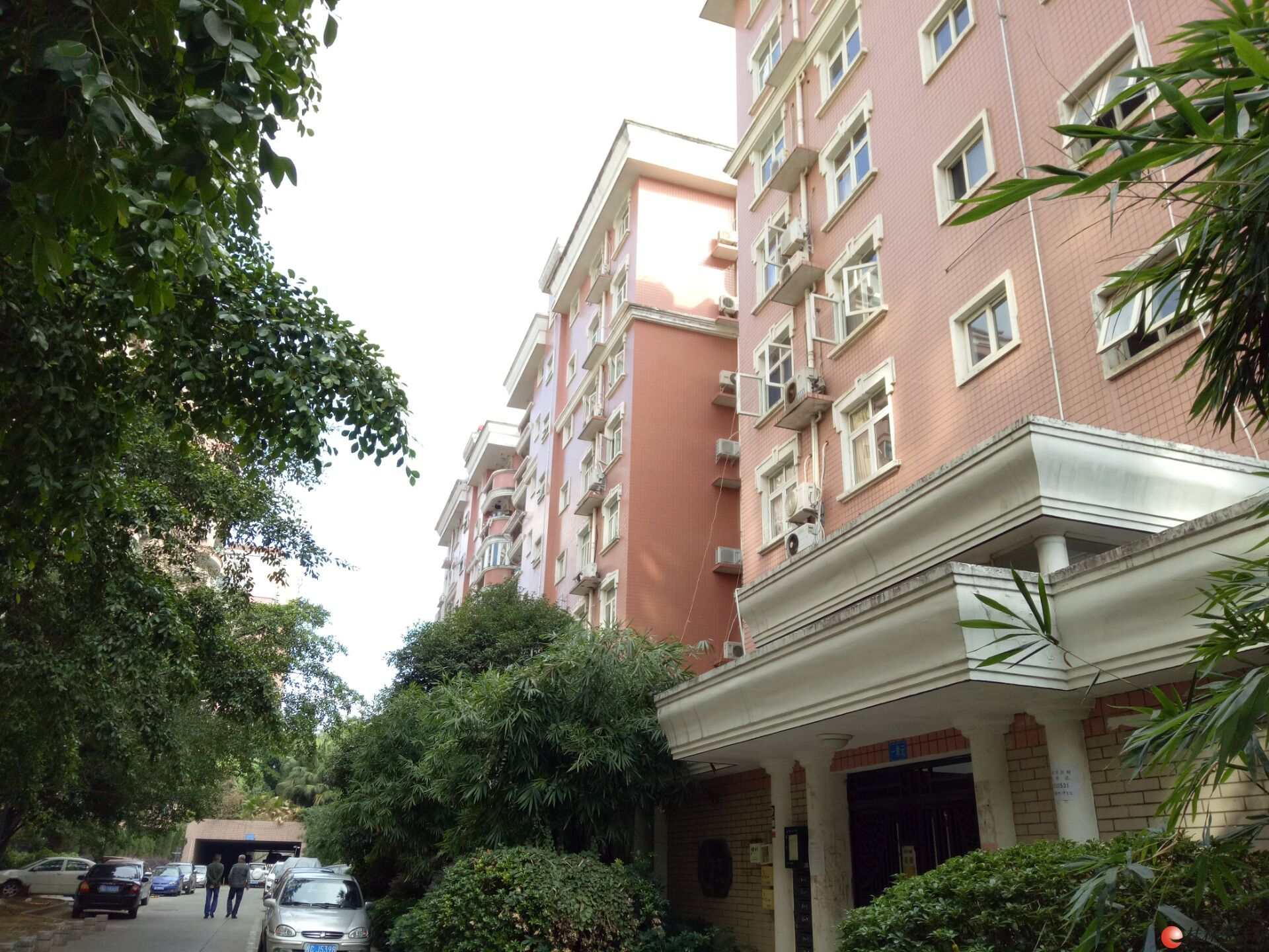 C七星区 七星花园紫竹苑155平米三房两厅中装拎包入住一楼租2200元
