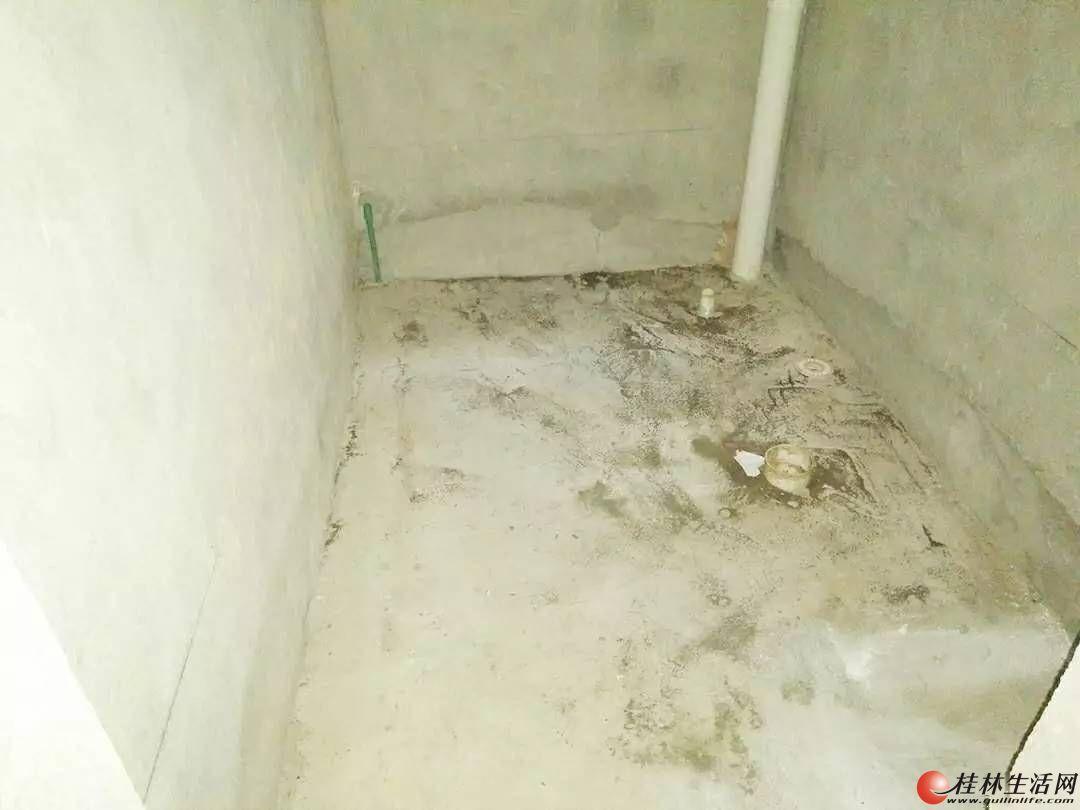七星区 六合路 公园林涧3房2厅2卫 118平清水房任意装修 急售80万