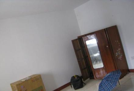 铁西三里大一房一厅(可改两房,另送地下室)出售
