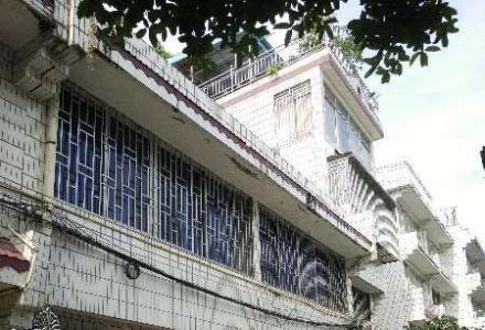 漓江花园别墅出租,7房4厅4卫,303平米,带前后花园和露台