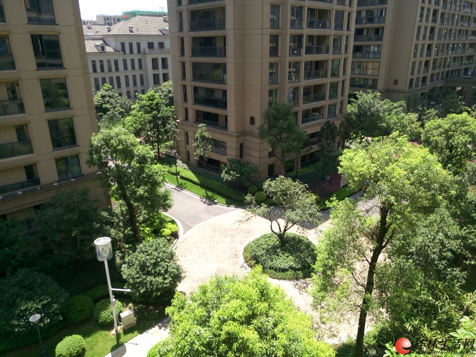 D象山区漓江大美成本价电梯6楼3房112平一梯两户仅售68万
