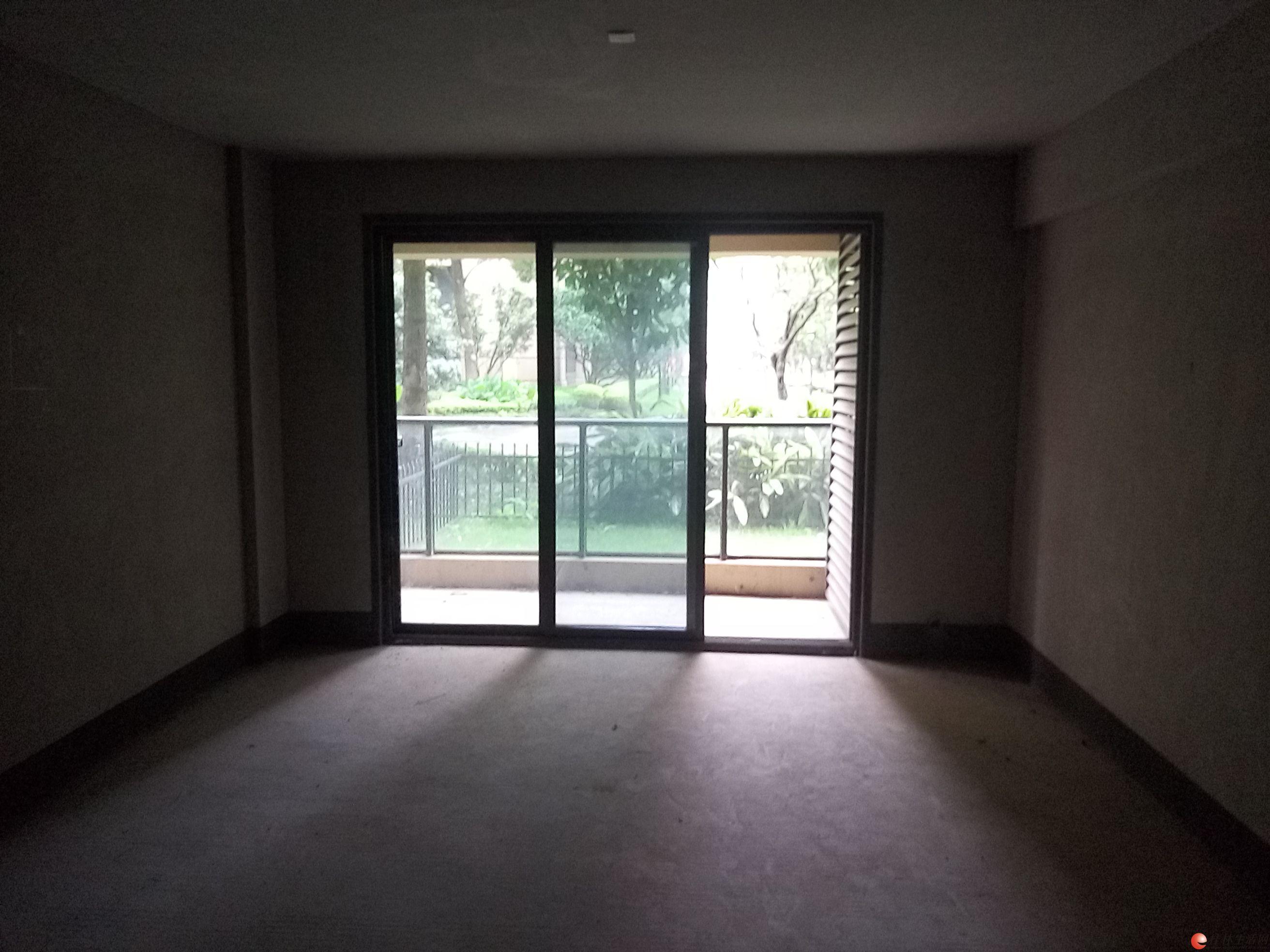 D有不动产证 象山区漓江大美成本价1楼2房带花园仅售57万