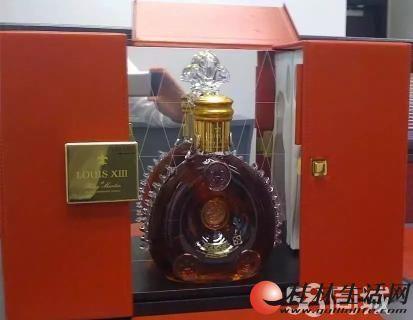 万博体育客户端路易十三酒回收 路易十三酒瓶回收 路易十三礼盒回收
