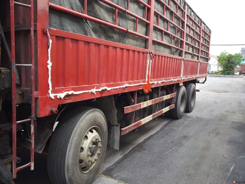 前四后八大货车转让。