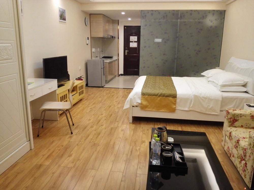 桂林万达广场豪装公寓出租 押一付一