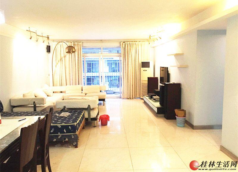 香格里拉 3房2厅2卫 138平米 带50平米花园 2800元/月 家具齐全 拎包入住 超大50平米花