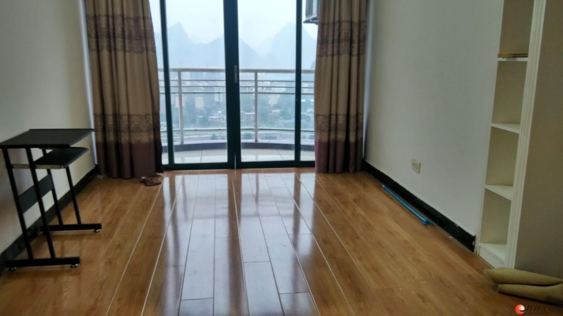 白领过度首选   新豪庭新精装电梯1房厅1卫60平米 拎包入住