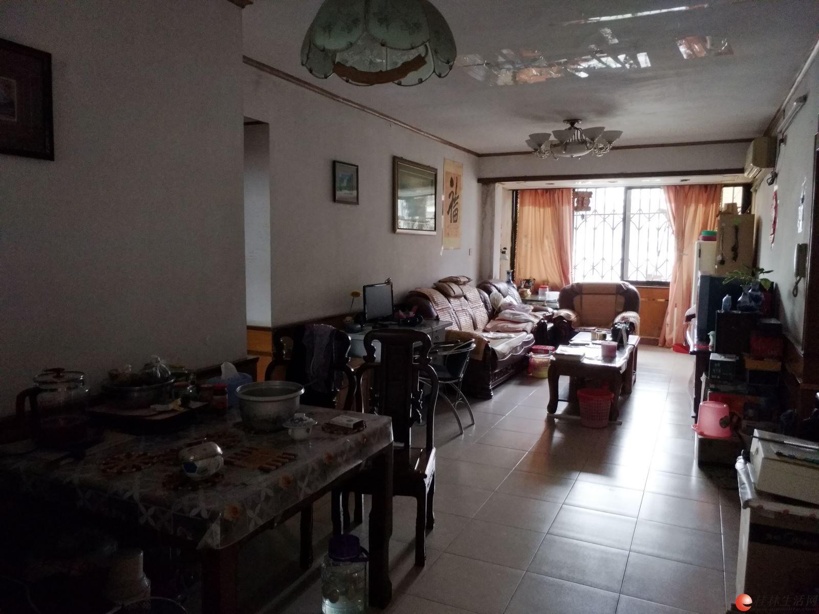 T桂湖花园3房2厅 4楼113平 105万靠近榕湖、桂中