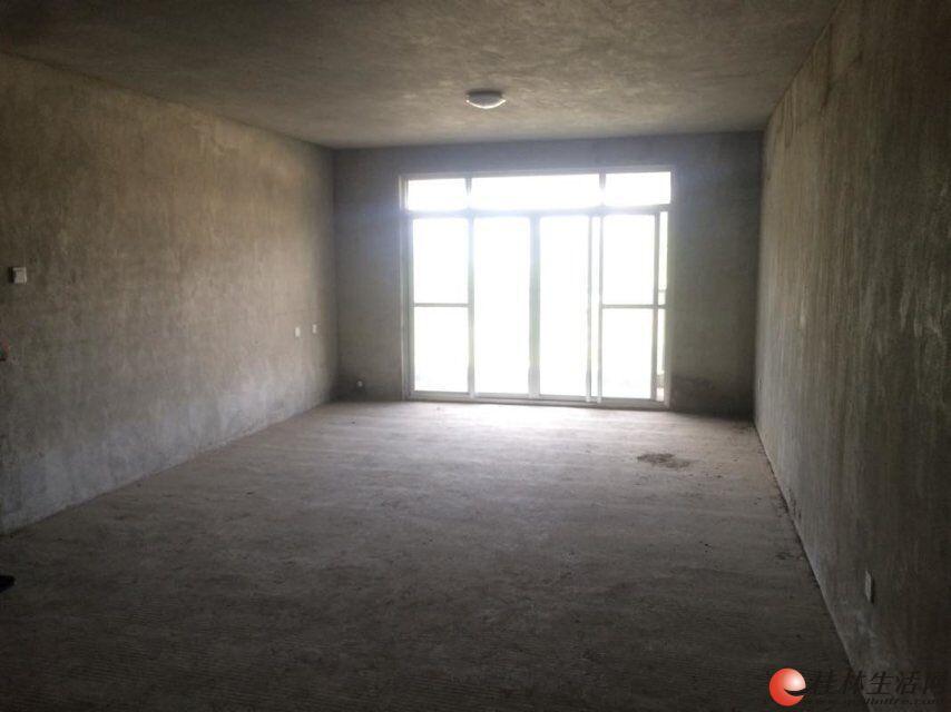 F 七星区 合心苑 4室2厅2卫 146平 毛坯