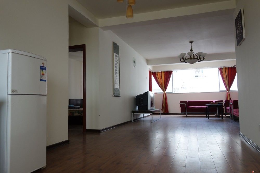 温馨舒适的家等着讲究生活品质、热爱学习的您。18907836253