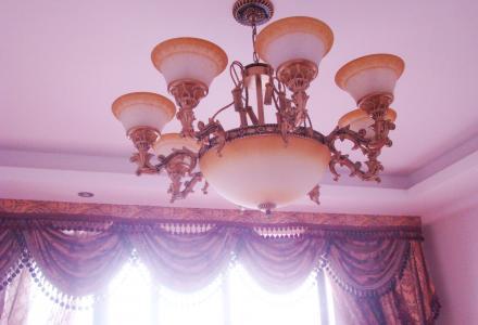 广源国际电梯房,豪华装修,家电家私配套齐全,4房2厅2卫,桃花江畔。