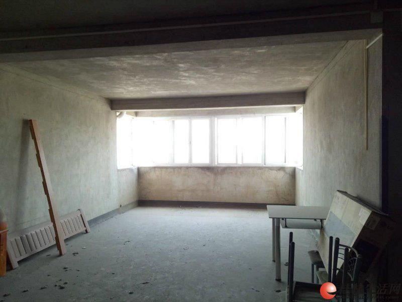 上海路旁 聚龙湾 顶层复式5房4厅4卫 165万