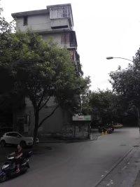 西山学区篦子园1楼门面房带院子20平米售价35万