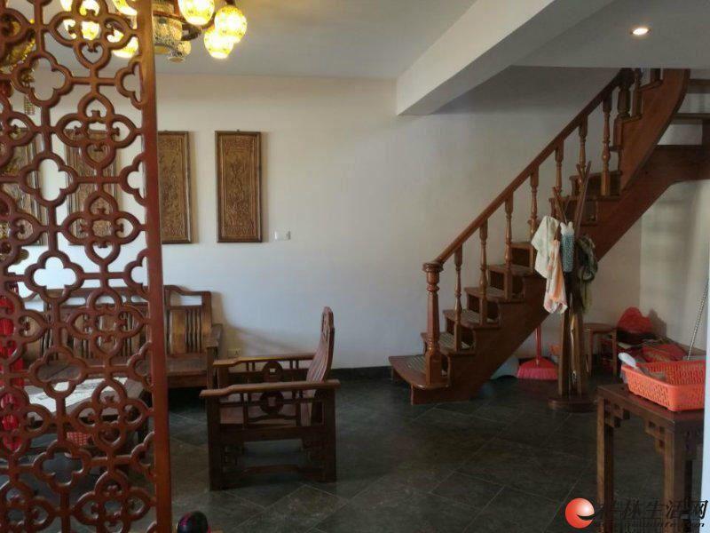 三里店龙隐小学 公园绿涛湾西园 精装三层复式 5房2厅3卫