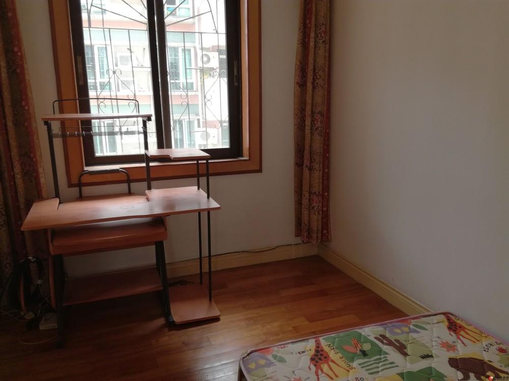 漓江路中国银行宿舍楼;2房2厅1卫,80平米,4楼,精装修,1998年建,急售45万