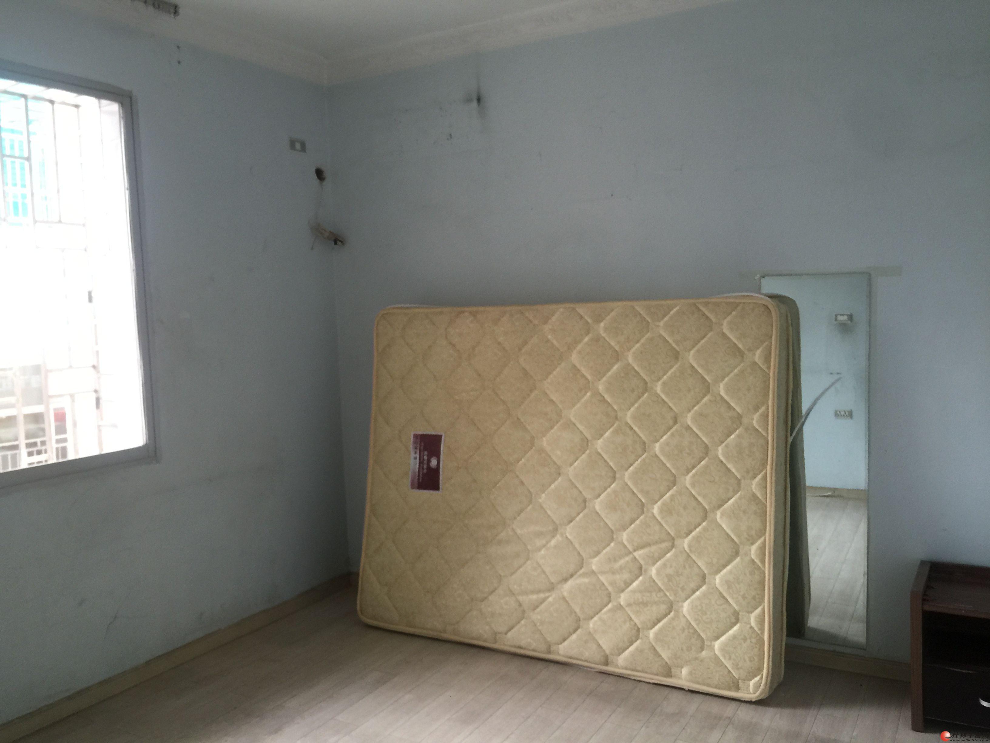 H解放西路桂中旁4楼2房 63平 仅租1300元