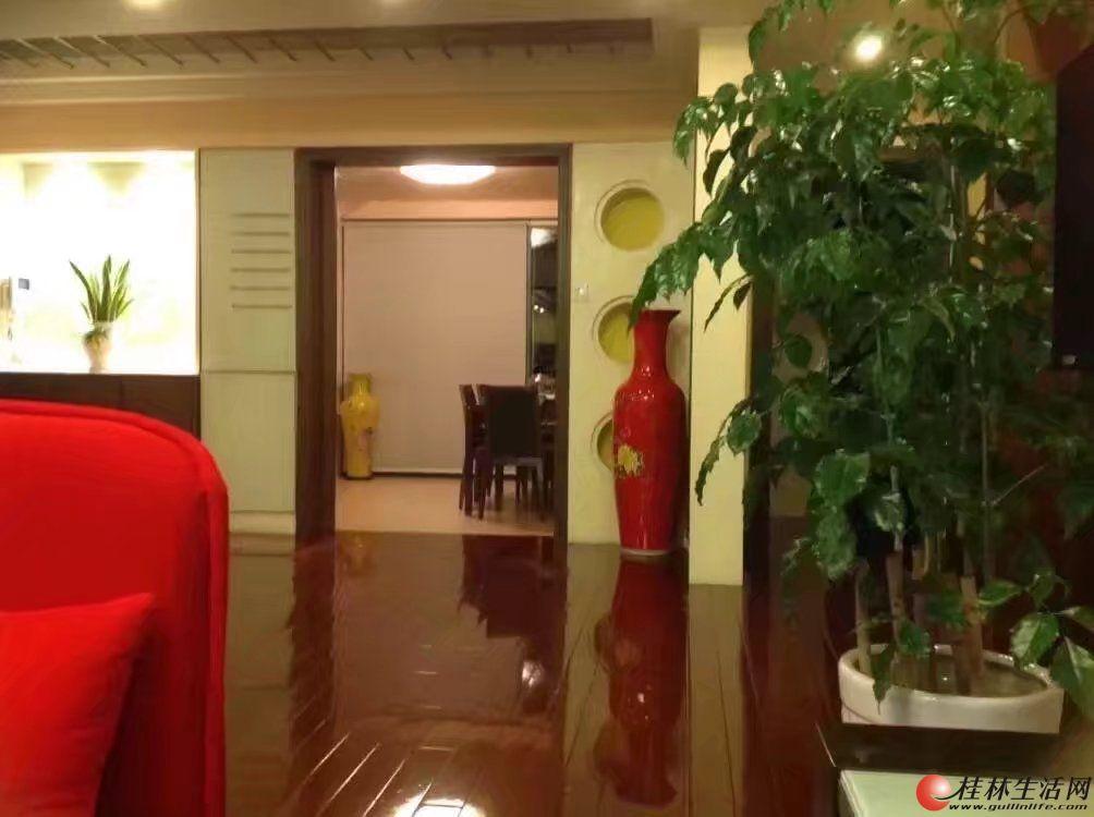 世纪新城,4房2厅2卫,210平米,9楼,4500元/月 ,精装拎包入住