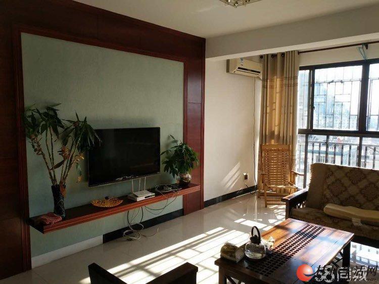 出租,万达广场甲天下三里店香格里拉花园小区电梯 新装修4房2厅2卫2700元