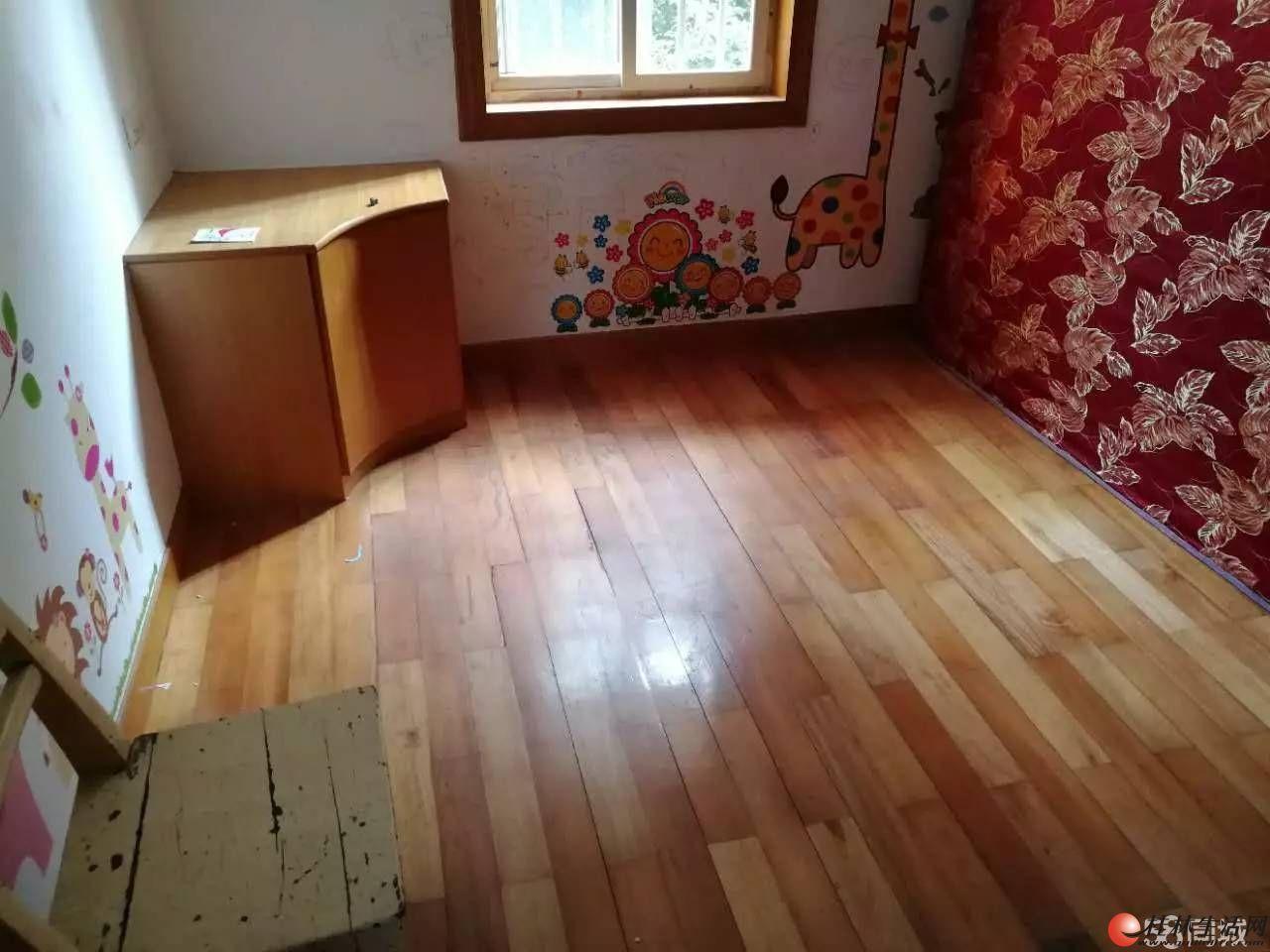 翊武路西清湖菜市旁 2房2楼带简单家具和家电