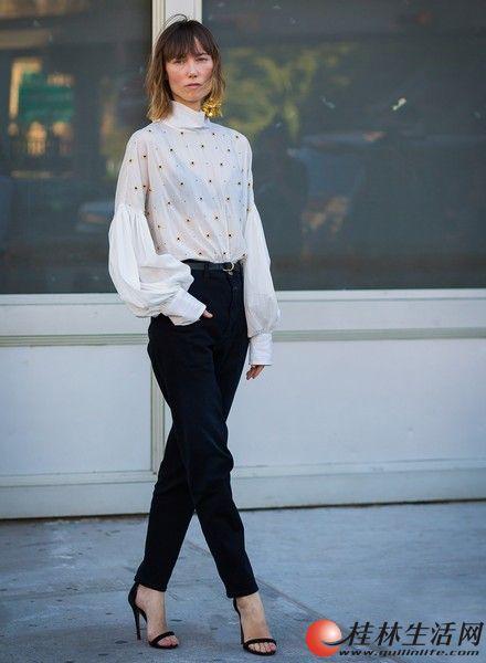 无论走什么风格,都需要百搭的黑裤子