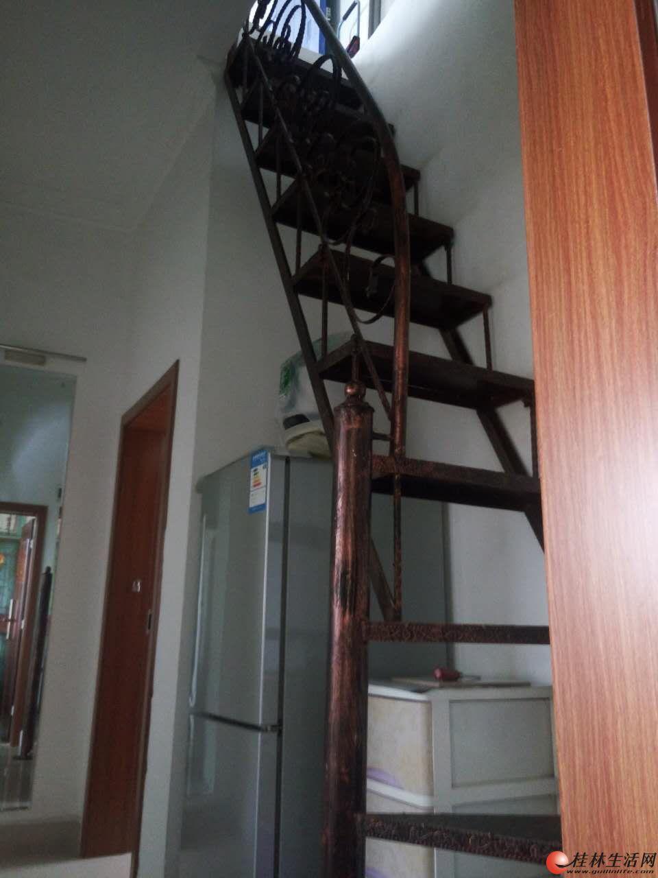 一房一厅可做两房 拎包入住、周边配套设施齐全