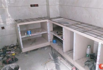 瓷砖橱柜、夹砖橱柜现场定做;石英石、厨房电器、吊柜、瓷砖洗手台