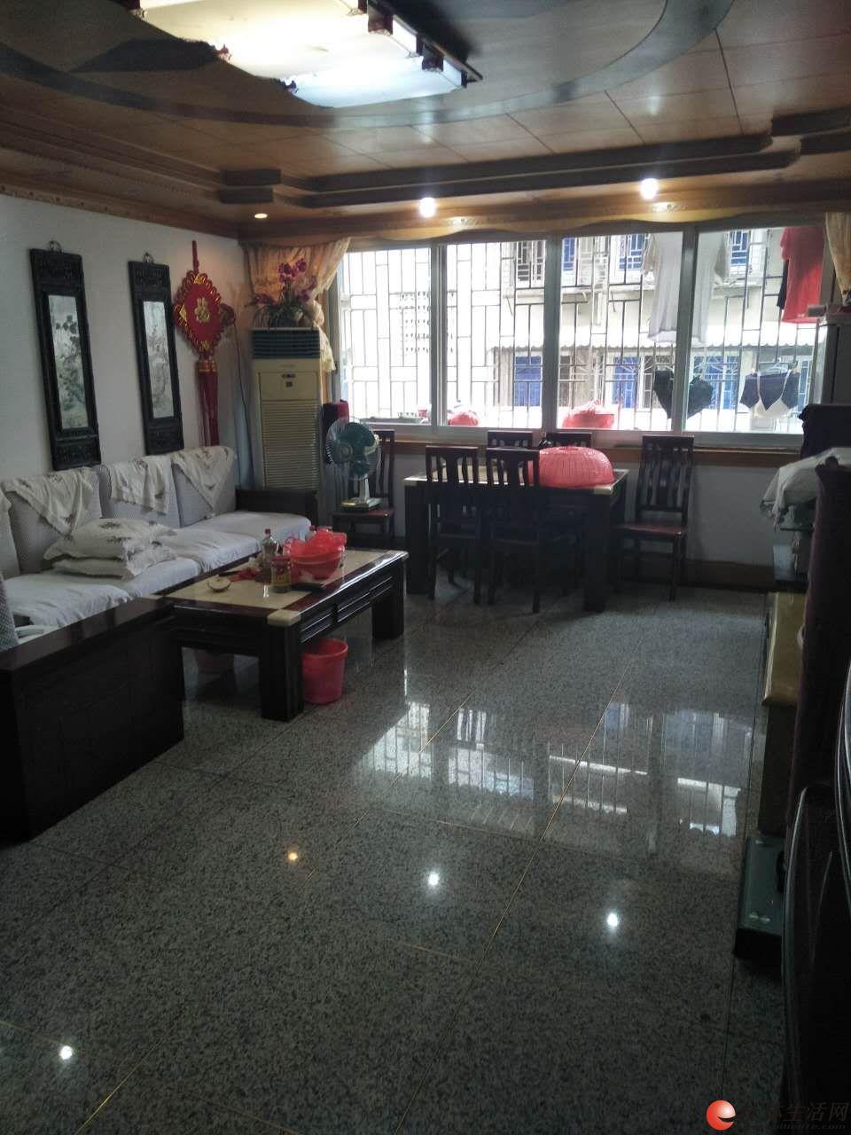 桂湖小区精装三房两厅,2楼115平方,88万