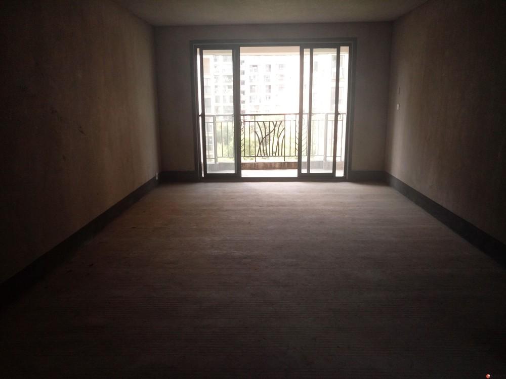 【育才分校】万达广场旁【兴进上郡】电梯6楼清水3房任性装修99万