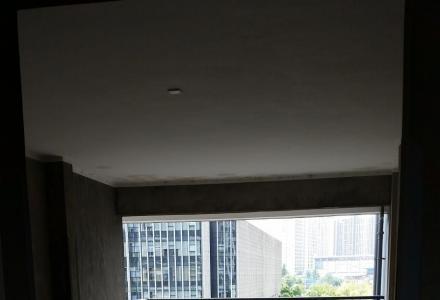 国奥新城复式楼315平,2900元一个月,毛坯房