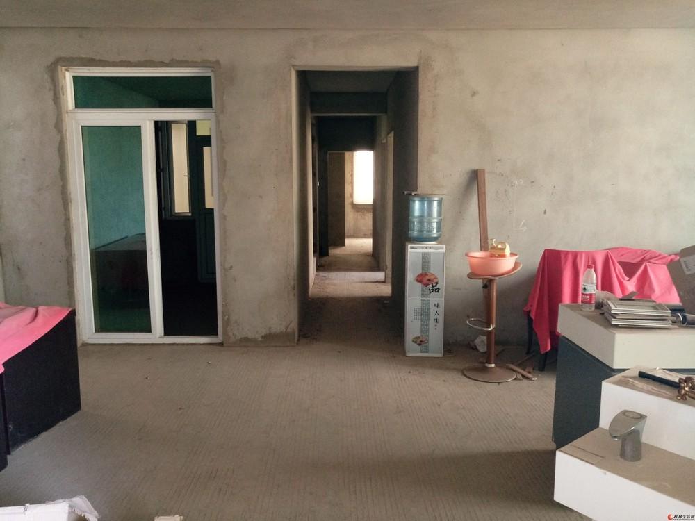 七星公园旁【龙隐小学】对面【码坪街】电梯6楼清水3房136平米98万