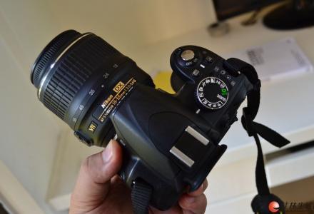 尼康单反相机D3100套机和18-55镜头