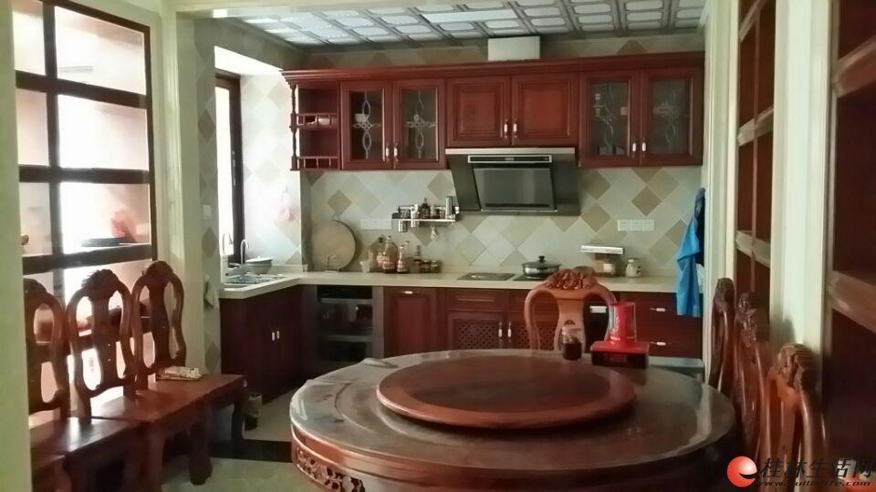 非中介 樱特莱庄园别墅 4层6房4卫3厅 出售