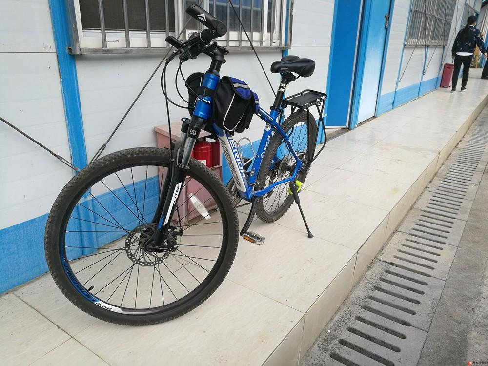 9成新美利达自行车,原价2400,现1200元亏血甩卖