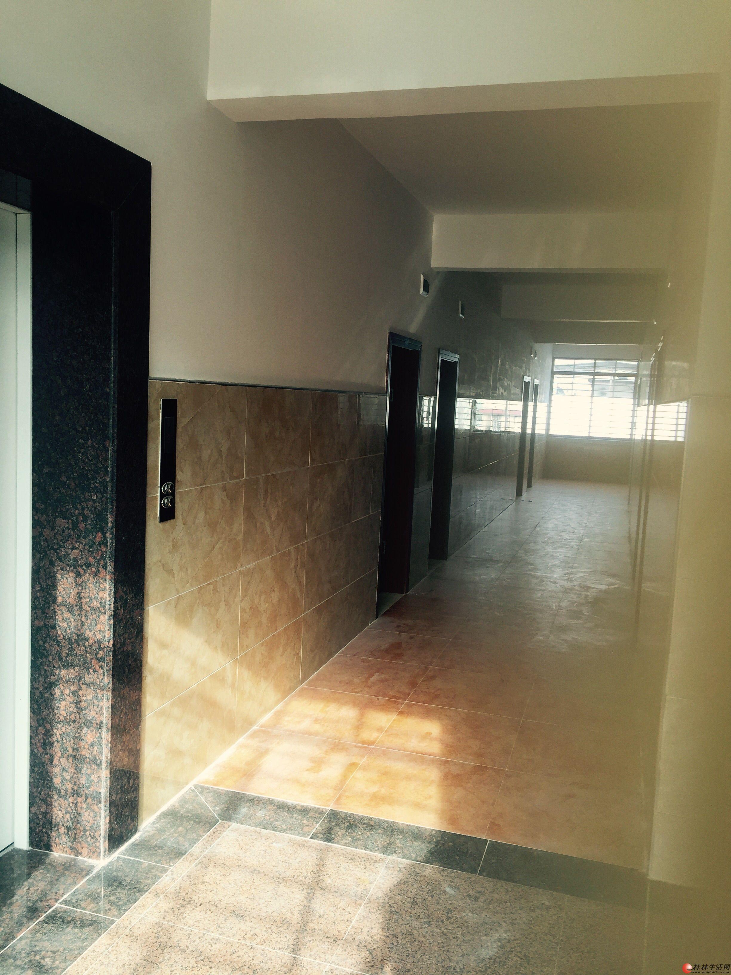 自建房出租带电梯、电动门、可开宾馆、办厂、办公等