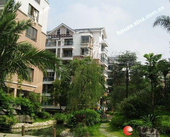 出租,东晖国际,2房2厅1卫,电梯10楼,100平米,2500元/月,家具齐全,3台空调拎包入