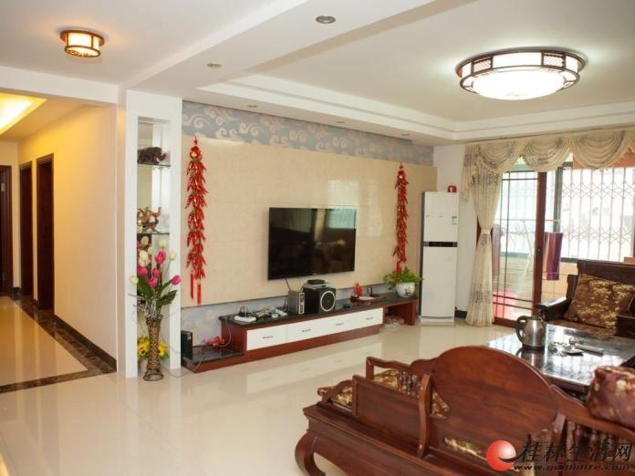 鑫海国际 4室2厅2卫 160平 4500元