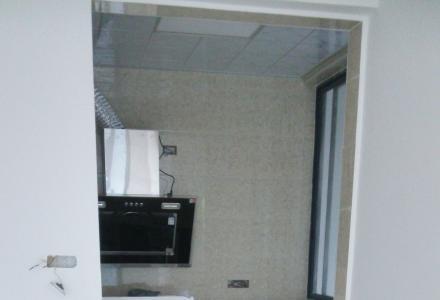 临桂碧园印象桂林三房二厅二卫,家俱家电齐全,有两台空调,首次出租1700元/月