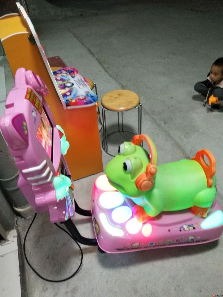 刚买3个月的3D儿童摇摇车转让