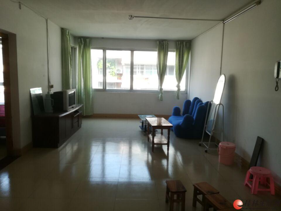 廻龙小区 采光极好3房2厅1卫99平米 仅50万