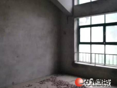 Q青秀花园 超值清水别墅 送车库送露台送超大花园 急售300万