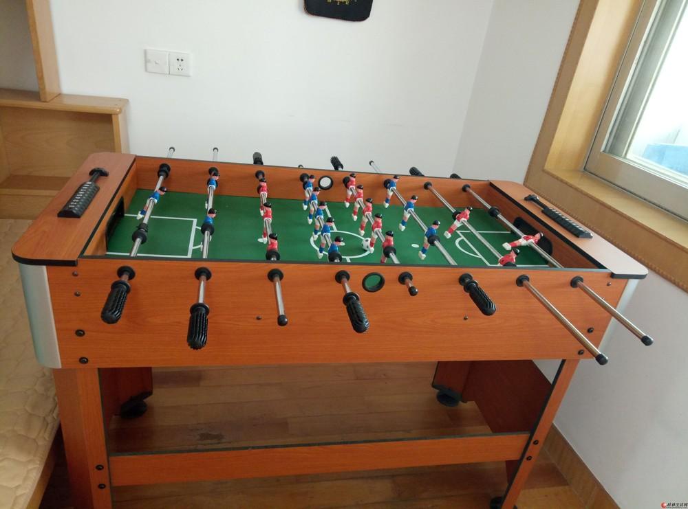 桌上足球,原价400元,现200元甩卖。